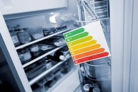 Energy efficiency label and refrigerator