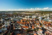 Panorama vom Ulmer Münster auf die westliche Innenstadt, Hauptbahnhof, Theater, Ludwig-Erhard-Brücke, dahinter IKEA und Wohngebiet Eselsberg, Ulm, Bad...