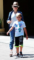 Gwen Stefani visits a sushi restaurant in Studio City with husband Gavin Rossdale and their children Featuring: Gwen Stefani,Kingston Rossdale Where: ...