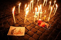 Rome, Italy. 8th January 2015. Vigil for the Charlie Hebdo terrorist attack victims outside the French Embassy in Piazza Farnese Square in Rome Italy.