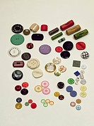 Collection of 1940s and 1950s plastic, wooden and glass buttons / The Button Box, London, UK / Bridgeman Images