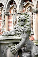 Guarding the entrance to Frederiksborg Slot