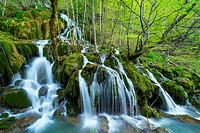 TOBERIA FALLS, ANDOIN, SIERRA ENTZIA NATURAL PARK, ALAVA, BASQUE COUNTRY, SPAIN, EUROPE.