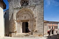 front portal, Collegiata or Pieve di Osenna, San Quirico d´ Orcia, Tuscany, Italy, Europe.