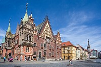 Poland, Wroclaw City, Market Square, Town Hall Bldg. Rynek, Fredro Monument.