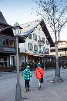 The Gstaad-Saanenland holiday region in the Bernese Oberland attracts a charming mix of visitors: while the chalet village of Gstaad welcomes famous g...