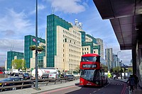 London, England, UK. SIS Building: Headquarters of MI6, the secret service, at 85 Albert Embankment, Vauxhall Cross, on the South Bank. View from Vaux...