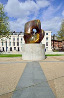 London, England, UK. Locking Piece (1963-4) by Henry Moore, on Millbank near the Tate Gallery. Presented by the artist to the City of Westminster, 197...