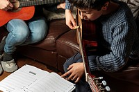 Private guitar lesson at home. UK.