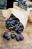 France, Lot, Cahors, market, grapes