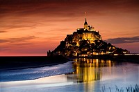 St Michael´s Mount and its Bay at sunset, Manche Department, Basse-Normandie region, Normandy, France, Europe (july 2008)