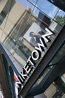 Niketown in Seattle  No property release