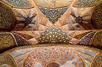 Looking up in Akbar´s Mausoleum