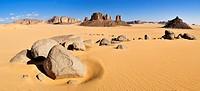 Tassili n´ Ajjer National Park, Tikobaouine Region near Erg Admer, Wilaya Illizi, Algeria, Sahara, North Africa