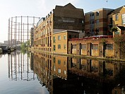 Regent´s Canal near Broadway Market, London, England