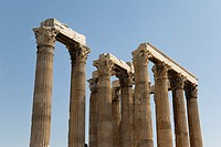 Detail of the temple´s Corinthian capitals and architraves, Temple of Zeus, Athens, Greece