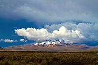 Bolivia, Tomarapi, Mount Huallaqueri.