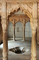 India, Rajasthan, Bharatpur, Lohagarh fort, Royal bath.