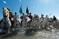 Europe, France, Bouche-du-Rhone, 13, Saintes-Marie-de-la-Mer, pilgrimage of gypsies, gardians