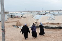 Al Za´atari, Al Mafraq region, Jordan, Middle-East. Every single day new people and families arrive in the UNHCR refugee camp Al Za´atari. The camp´s ...