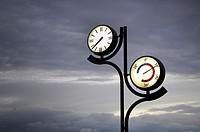 clock and thermometer in Zarautz, Pais Vasco