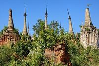 Myanmar, Shan State, Inle Lake, Indein (Inthein) village, Ruined stupas.