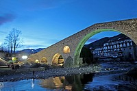 Pont Nou at sunset, s.XII, river Ter, Camprodon, Ripolles, Catalonia, Spain