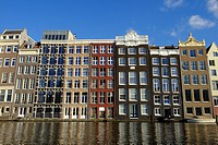 Old buildings overlooking the Damrak, Amsterdam, The Netherlands, Europe