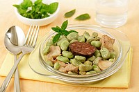 Broad beans with sausages.