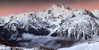 Mt Rolleston, 2275 metres, pre dawn alpenglow, dominant peak Arthur´s Pass National Park, Canterbury, New Zealand.