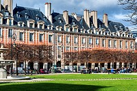 Place des Vosges, Le Marais, Paris, France, Europe.