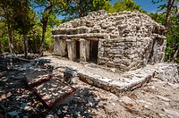 Casa del Jaguar - Xelha archeological site (Quintana Roo).