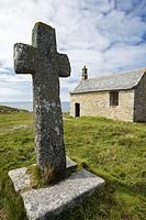 Stone cross, Church Chapelle de Saint-Sanson, Landunvez, Finistère, Brittany, France, Europe.