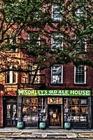 McSorley´s Old Ale House NYC - Late afternoon exterior view to McSorley´s Old Ale House Old Irish pub in the East Village neighborhood of Manhattan In...