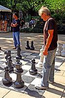 chess game, gardens of the old Hospital de la Santa Creu, Ciutat Vella, Barcelona, Catalonia, Spain