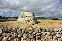 Naveta d´Es Tudon, megalithic chamber tomb (1130-820 BC), Menorca, Balearic Islands, Spain, Europe.