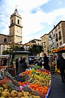 Every Saturday morning vendors set up in the center of Pézenas, France