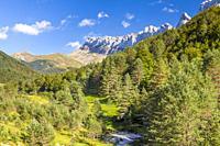 Sierra de Alano y Barranco de la Taxera, Zuriza, Valle de Anso, Huesca, Spain.