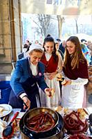 Txistorra, Fried sausage, Feria de Santo Tomás, The feast of St. Thomas takes place on December 21. During this day San Sebastián is transformed into ...