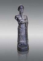 Statue of Puzur-Ishtar Shakkanakku (military governor or prince c. 2050 BC)) of Mari appointed by the Akkad Kings. According to the inscription below ...