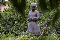 La Espigolera, estatua en homenaje a la poetisa Maria Antònia Salvà i Ripoll, 1965, bronce, Horacio de Eguía, Llucmajor, Mallorca, balearic islands, ...