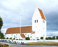 Exterior view of Fanefjord Church, Moen Island, Denmark, Scandinavia, Europe. Aussenansicht der Fanefjordkirche, Insel Mön, Dänemark, Skandinavien, Eu...