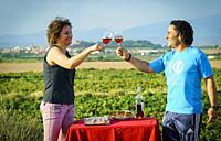 Wine tasting in Cascante vineyard. Navarre. Spain.