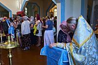 Kirghizistan, province de Issyk Koul, ville de Karakol, cérémonie dans l'eglise orthodoxe russe / Kyrgyzstan, Issyk Kul province, Karakol city, ceremo...