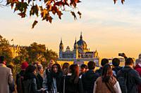 Catedral de la Almudena desde el mirador del Templo de Debod. Madrid. España.