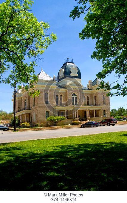 Crockett County Courthouse, Ozona, Texas, USA