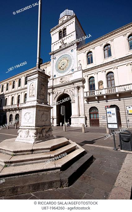 Italy, Veneto, Padua, Piazza dei Signori Square, Palazzo Del Capitanio, Astronomical Clock Tower