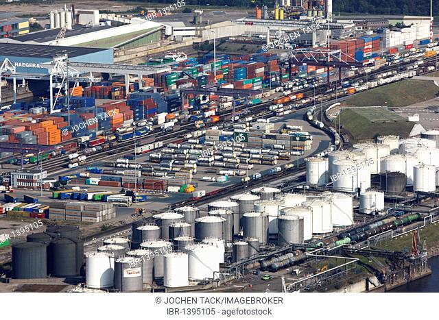 Duisport, port and logistics center, Ruhrort inland port on the river Rhine, considered the world's largest inland port, DeCeTe container terminal
