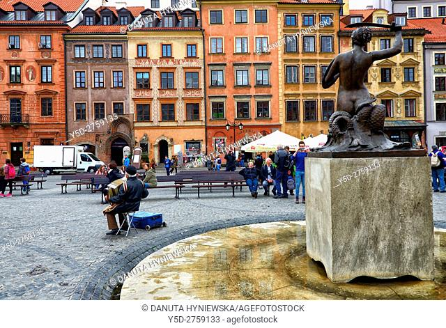 Syrenka (little mermaid) statue on Old Town Market Square in Warsaw, Old Town, UNESCO World Heritage Site, Poland, Europe