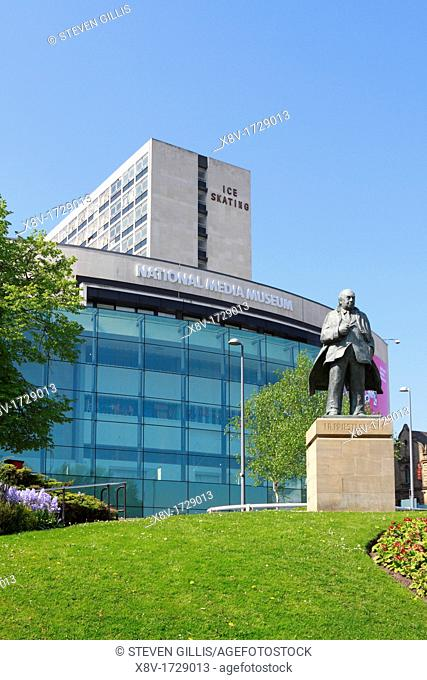 J B Priestley statue in front of the National Media Museum, Bradford, West Yorkshire, England, UK